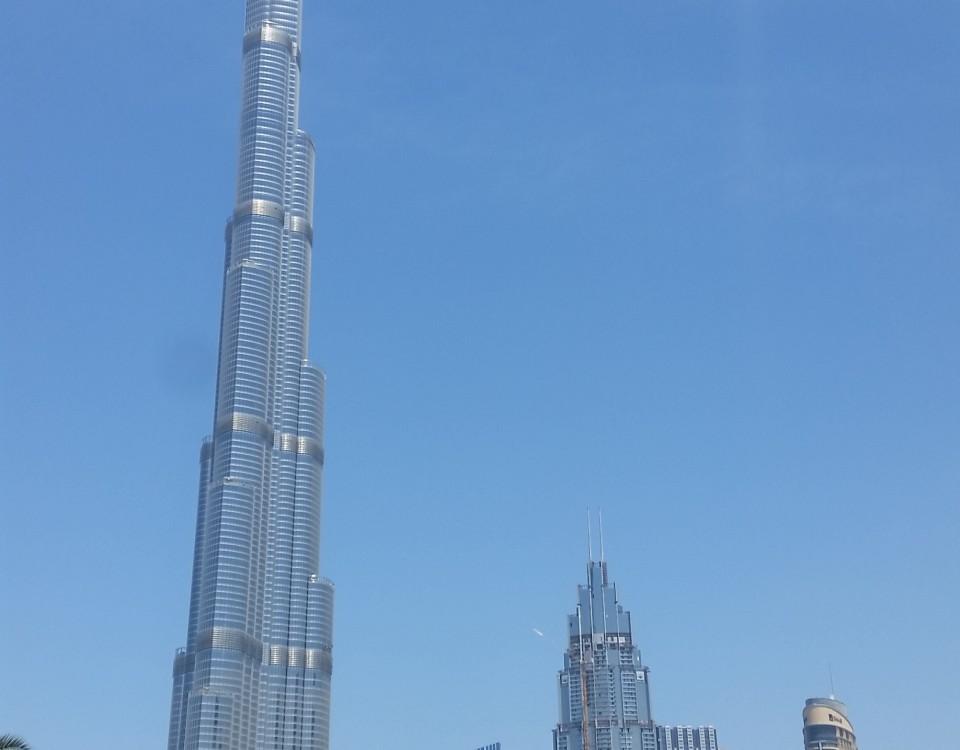 Burj Khalifa är världens högsta byggnad och ligger i Dubai.